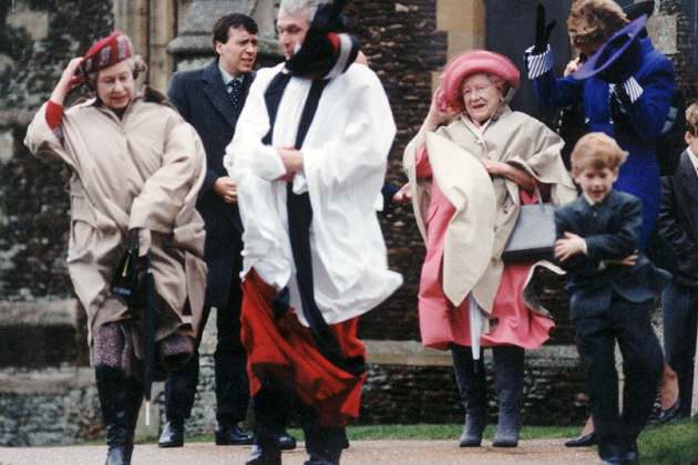 the royal family gets blown away on a windy christmas day in 1990