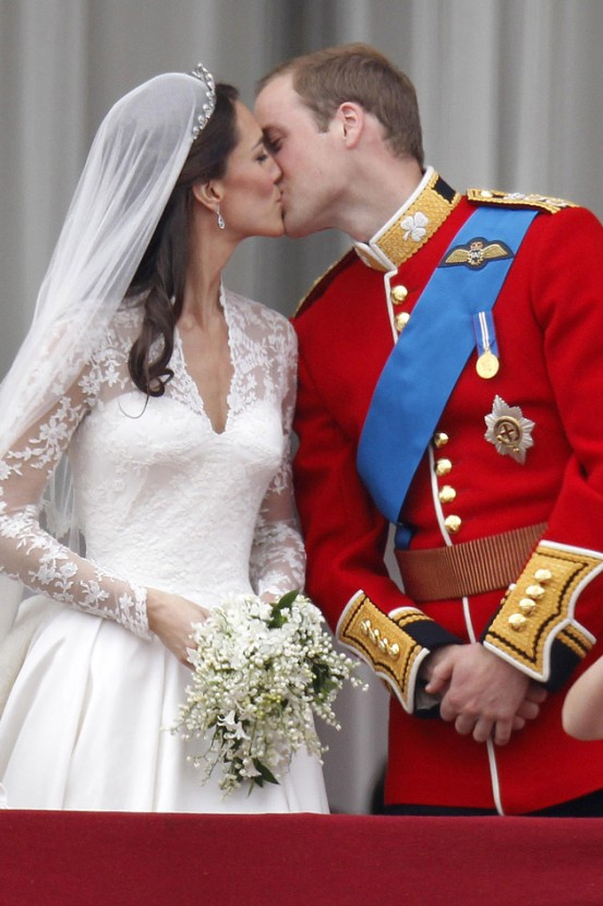Despite The Grand Affair Watched By Millions And Iconic Designer Wedding Dress Kate Did Her Own Make Up On Day So She Felt As Comfortable