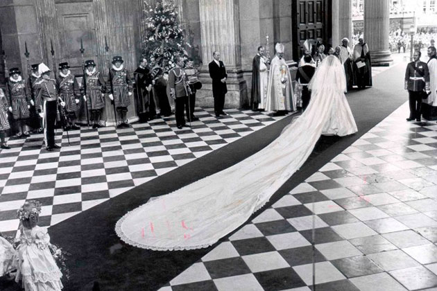 With Most Dress Fittings The Bride Usually Brings An Entourage But When Diana Appeared It Was Just Her Alone Whole Designing Process Very Low