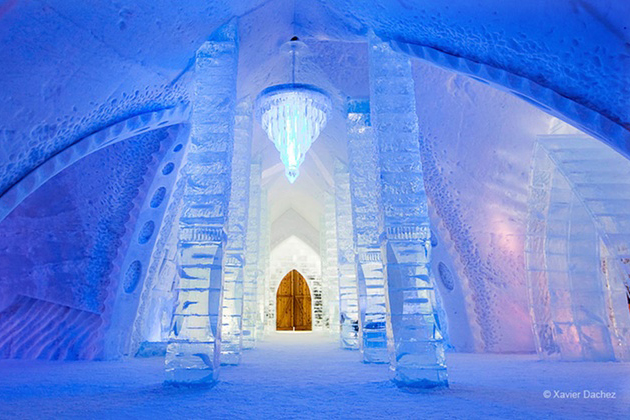 Hotel Du Glace Quebec City Woman 39 S Own