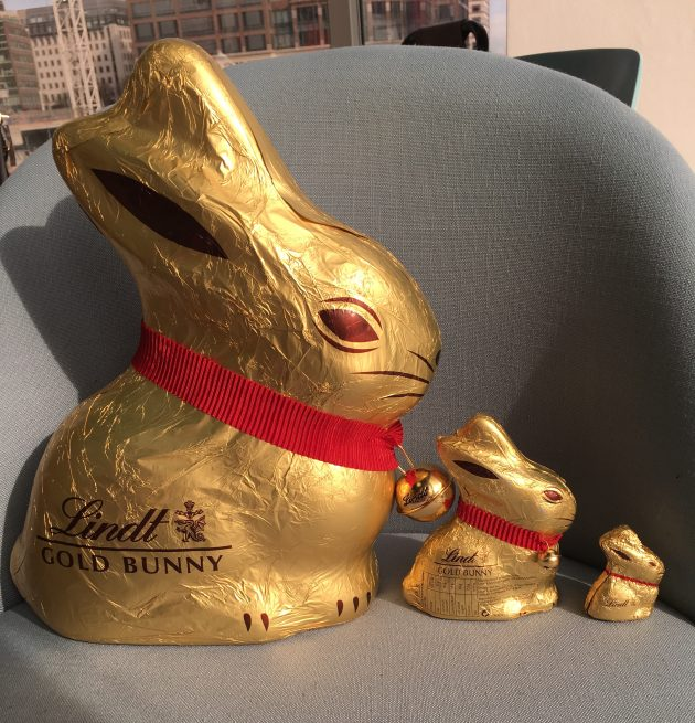 Giant 1kg Gold Bunny By Lindt Womans Own