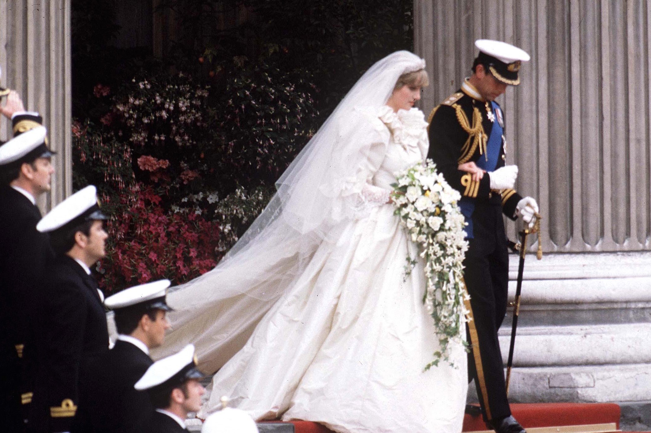 Diana And Charles Wedding.Prince Charles Wept The Night Before Marrying Princess Diana
