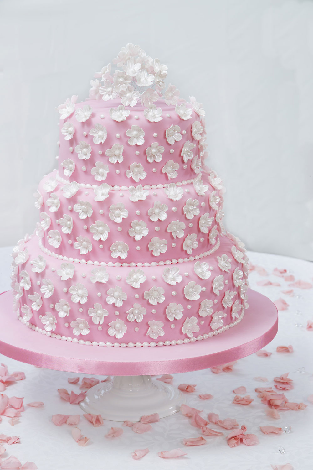 How To Make A Fondant Fancy Wedding Cake