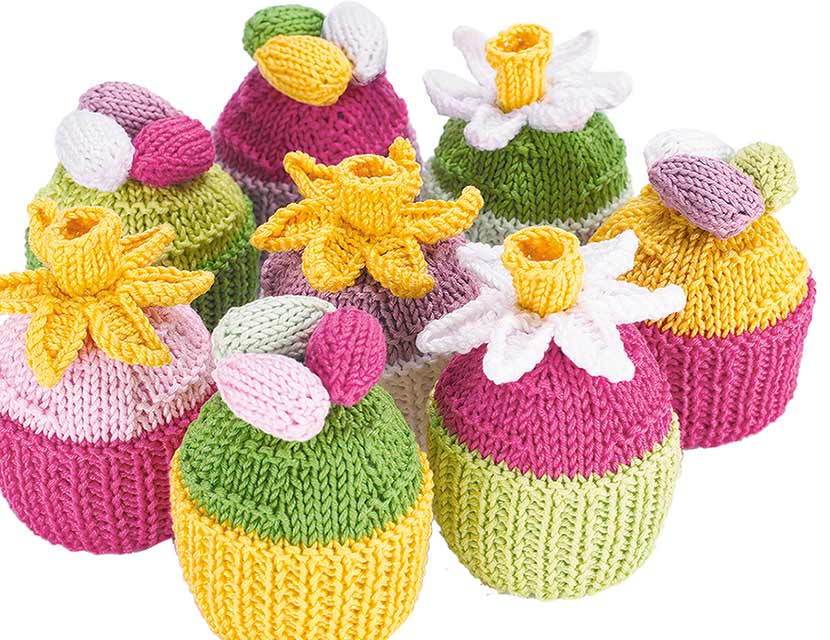 Knitted Tea Set: Perfect for tea parties