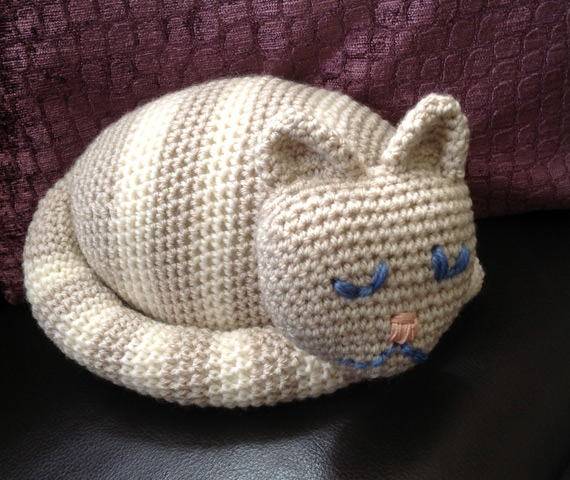 Crocheting For Cats : anna said i made this for my mam for her