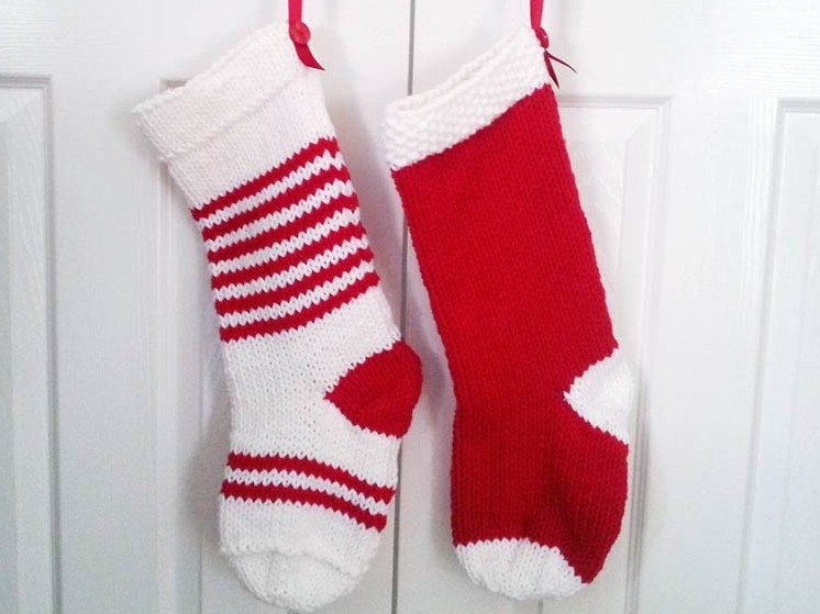 Knitted Christmas Stocking Patterns Easy : Knitting and crochet designer Lynne Rowe: I hope youll love my two Chris...