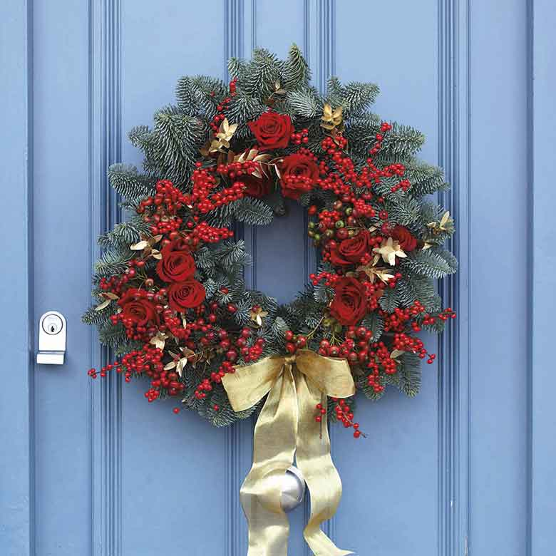 How To Make A Beautiful Festive Floral Christmas Wreath