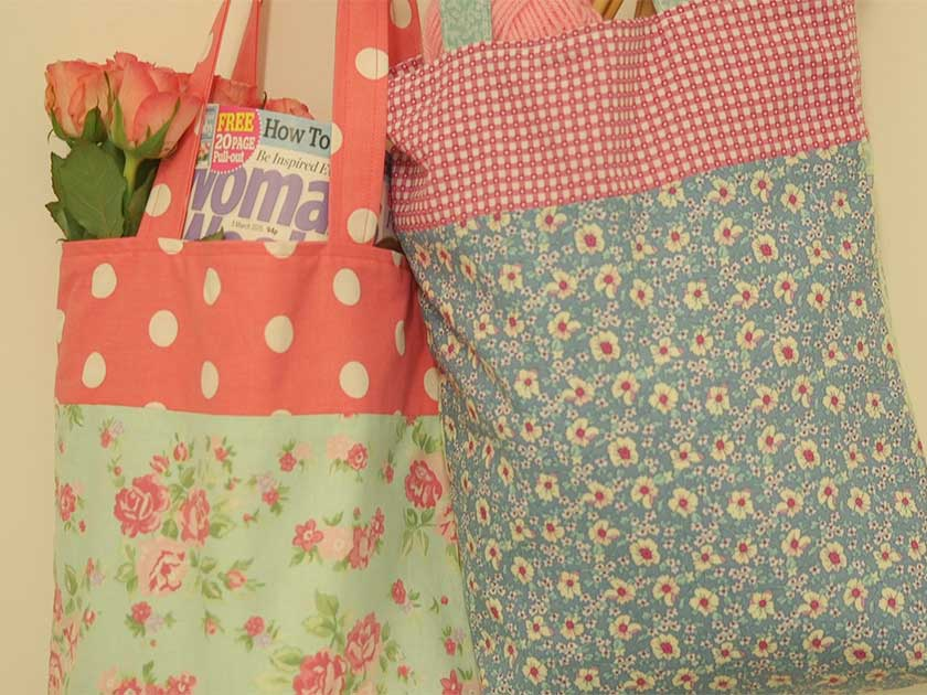 Reversible tote bags in fabric dd837d6774236