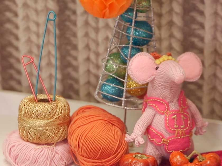 Woman s Weekly Knitting Patterns Toys : How To Knit: Learn how to get your knitting tension right