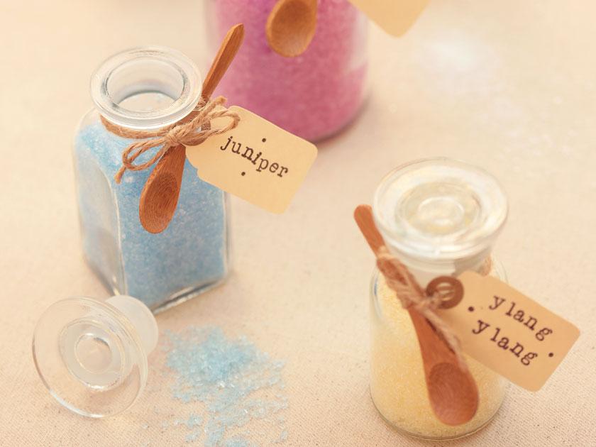 How to make bath salts for How to make a bathroom