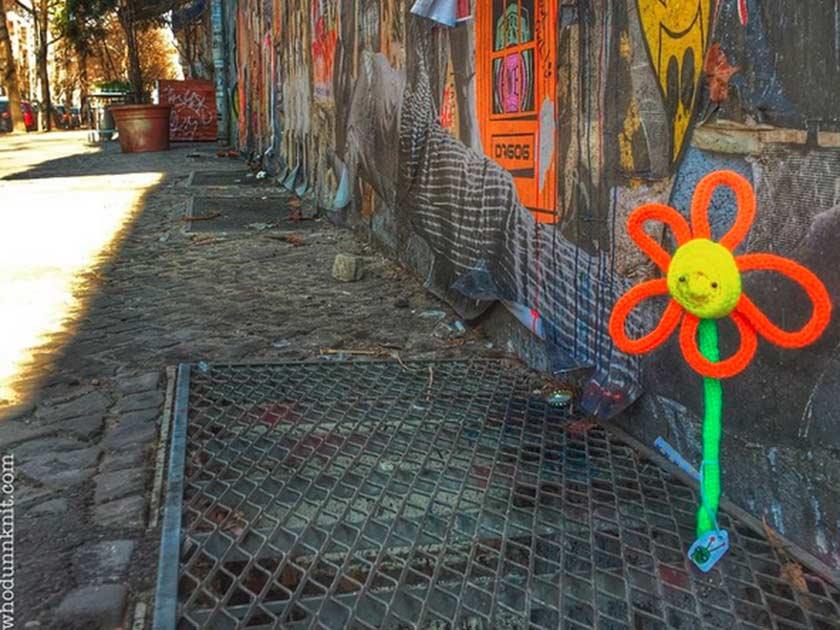 Graffiti Knitting Epidemic : Love yarn bombing deadly knitshade s graffiti knitting