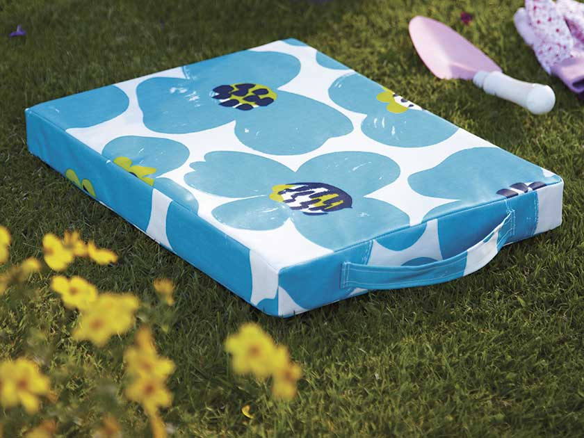 to make a garden kneeler