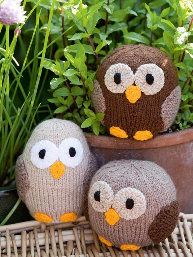 Owl family knitting pattern - Woman\'s Weekly