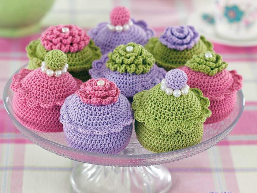Knitting Or Crocheting Harder : Knit cake and crochet bakes watching the great british