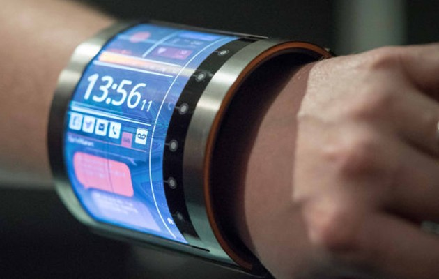 This Flexible Screen Wraps Around Your Wrist Like A Bracelet Live Smart