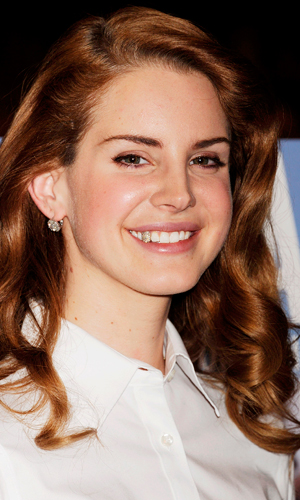 Lana Del Rey unveils her new crystal capped tooth