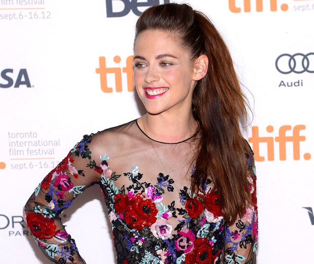 Kirsten Stewart has respnded to questions about Robert Pattinson