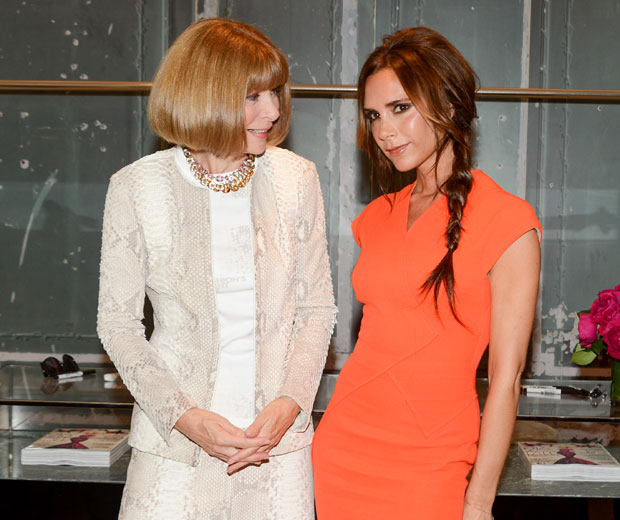 Anna Wintour couldn't take her eyes off of Victoria Beckham