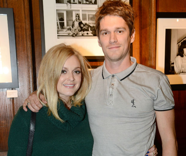 Fearne Cotton and Jesse Wood cuddled up together at the exhibition