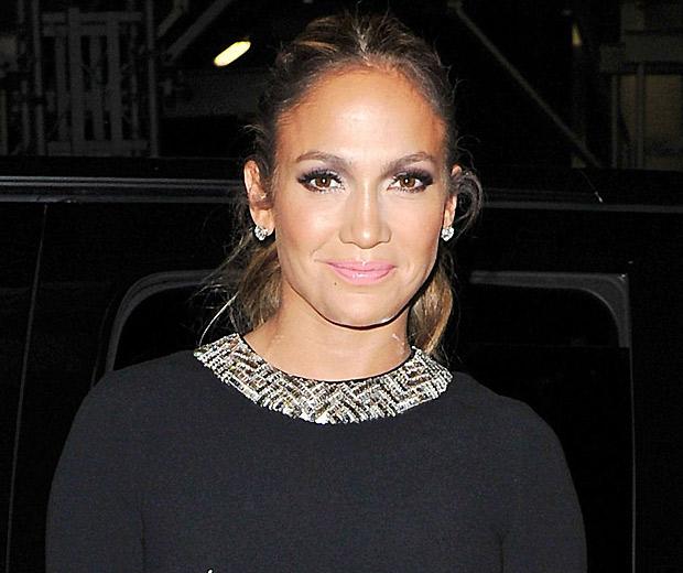 Jennifer Lopez will visit the UK on her Dance Again world tour