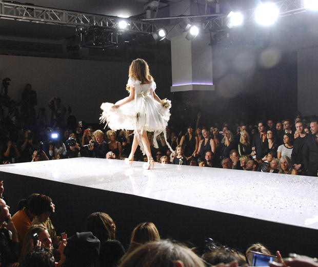 Get All The Latest Fashion News From Style It Light, 2012