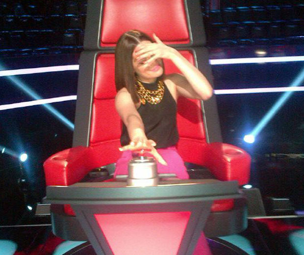 Jessie J is teasing her fans by posing in a The Voice US chair