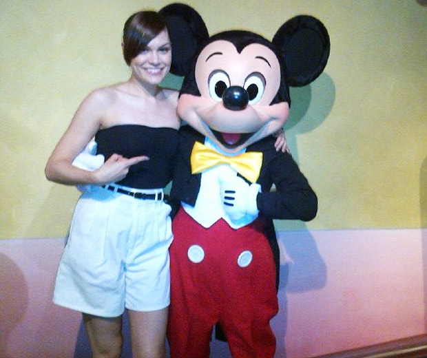 Jessie J was all smiles with Mickey Mouse!