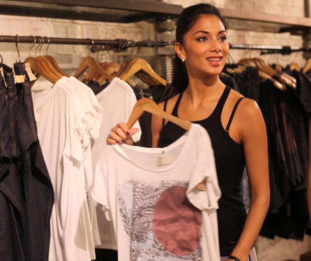 Nicole Scherzinger goes shopping for coats in All Saints