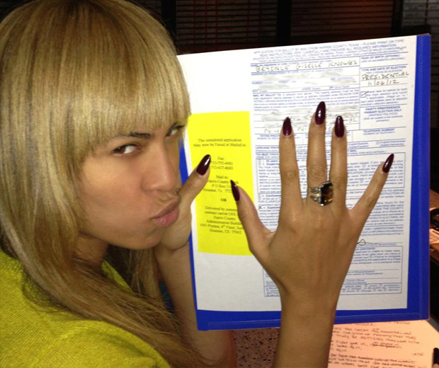 Beyonce shows off her voting form!