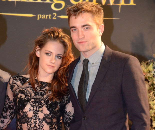 Kristen Stewart and Robert Pattinson are reportedly looking at properties in London