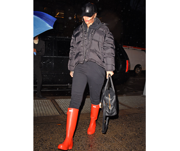 Rihanna 39 S Latest Style Shock Has Left Us Speechless Almost Look
