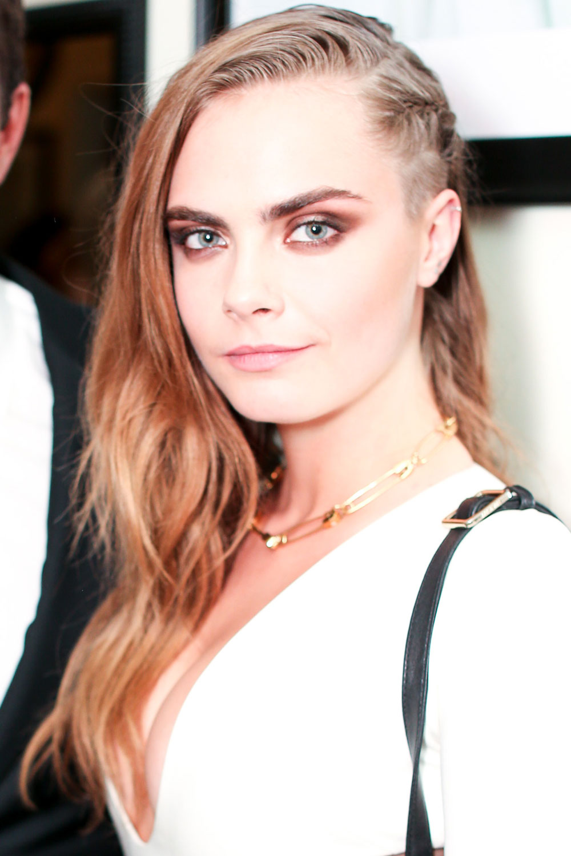 Undercut Hair For Women: Statement Celeb Styles | Look - photo#28