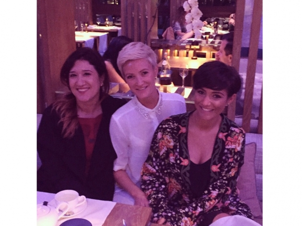 frankie bridge and sister victoria out for dinner on holiday