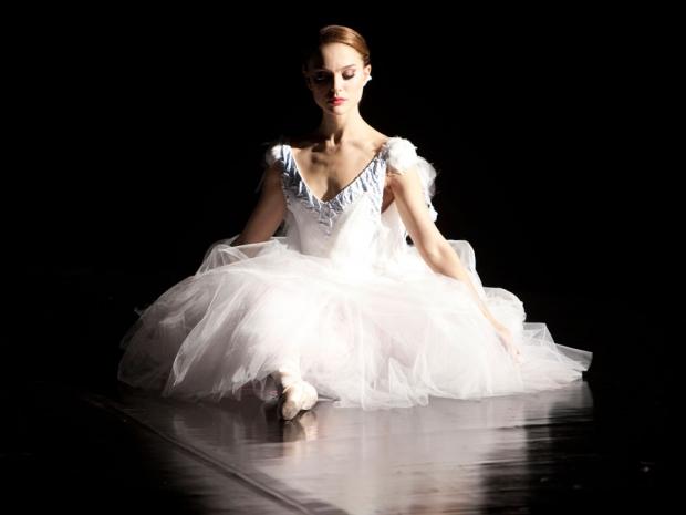 natalie portman in a white rodarte dress in black swan film