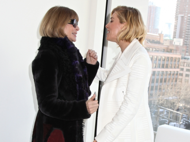 anna wintour and sienna miller at calvin klein show