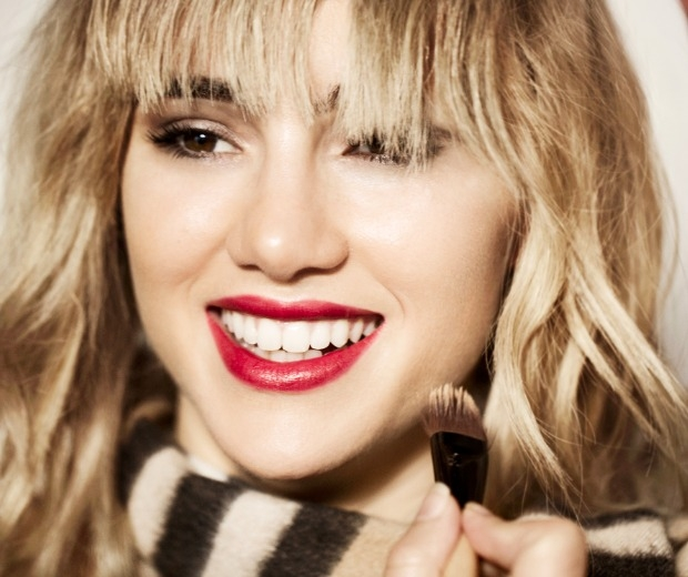Suki Waterhouse gets steamy for the new burberry ad