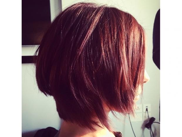 Cheryl Fernandez-Versini debuts shorter red hair on instagram