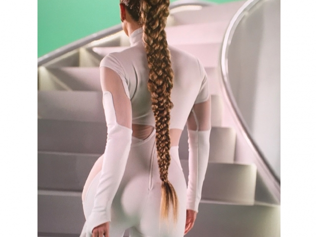 j lo in new video feel the light with huge fishtail braid plait