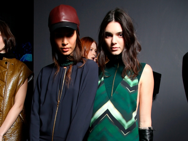 Kendall Jenner and Joan Smalls at H&M show AW15 paris fashion week