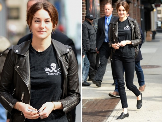 SHailene woodley in skinny jeans, a skull t-shirt and leather jacket