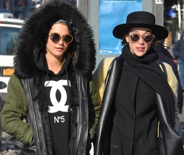 Cara Delevingne and rumoured girlfriend St Vincent