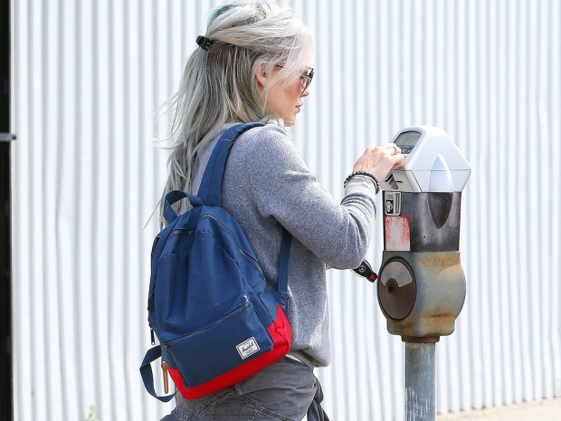Hilary was spotted out in LA with her new ice grey shade