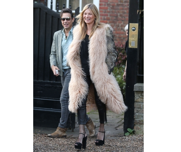 kate moss in fur gilet and jeans