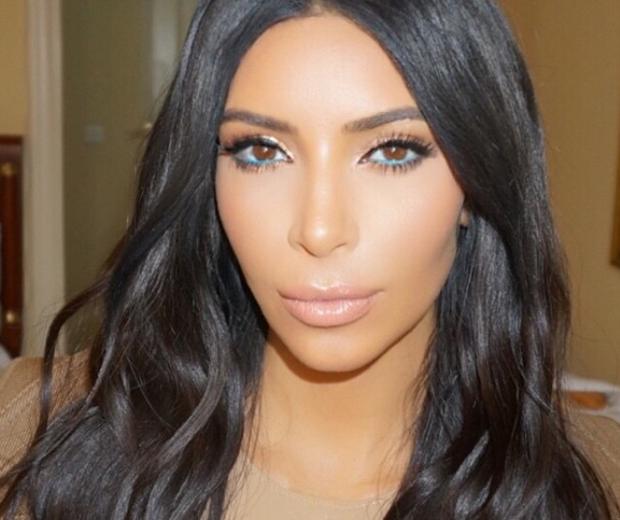 kim kardashian make-up selfie blue eyeliner