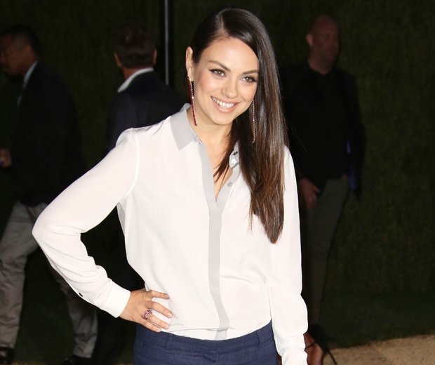 mila kunis at burberry london in los angeles show