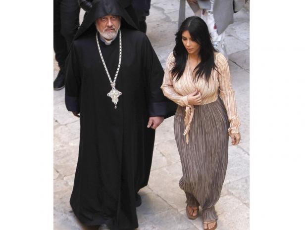 kim kardashian in harem pants in armenia