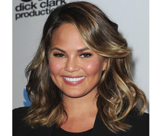 Chrissy Teigen showcases balayage on dark hair