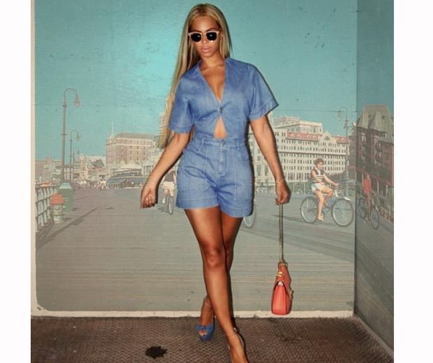 beyonce in blue denim playsuit and heels