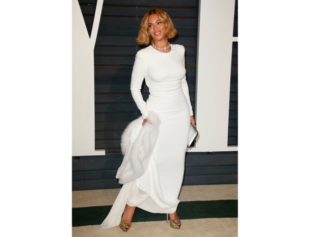 beyonce in white dress at oscars party