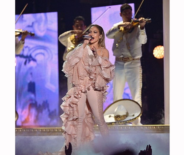 jennifer lopez performs at latin billboard awards